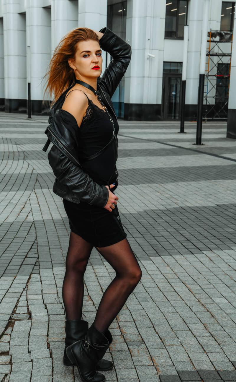 Фотосессия в городском стиле девушки